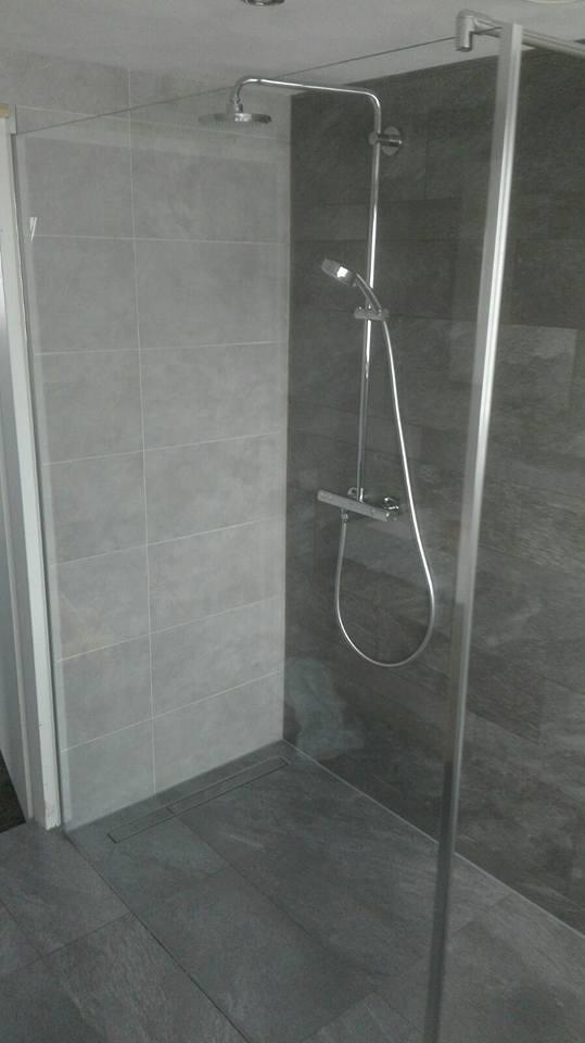 douche badkamer minnertsga